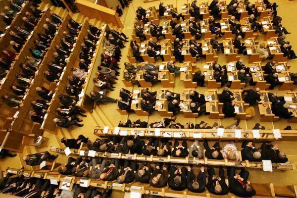 Seimas pradeda svarstyti 2011-ųjų biudžeto projektą