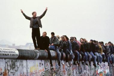 Aukcione parduota Berlyno sienos dalis