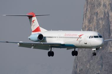 Minsko oro uoste tūpdamas užsidegė Austrijos keleivinis lėktuvas
