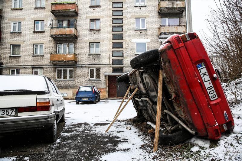 Dėl apleistų automobilių labiausiai dūsta miegamieji rajonai