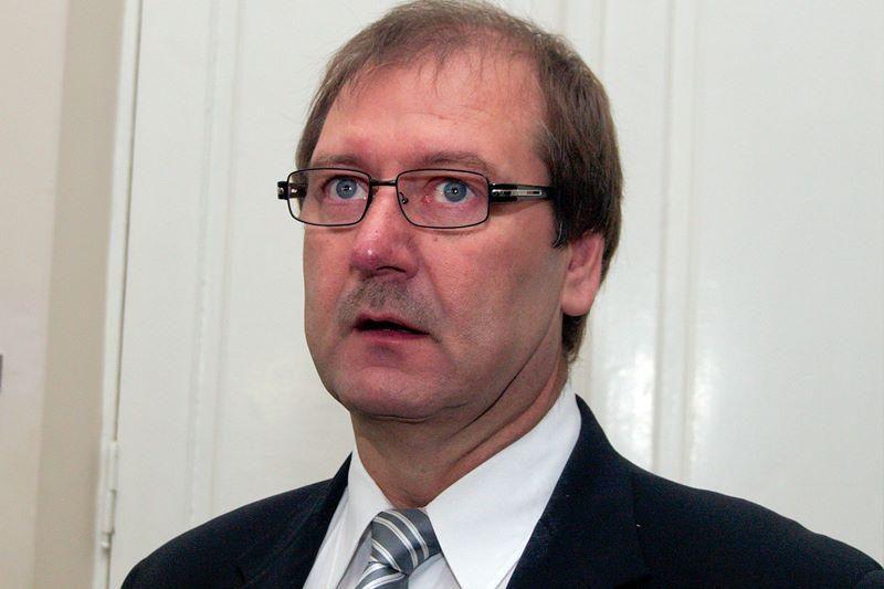 Prokuroras pradėjo skelbti kaltinimus V.Uspaskichui (papildyta)