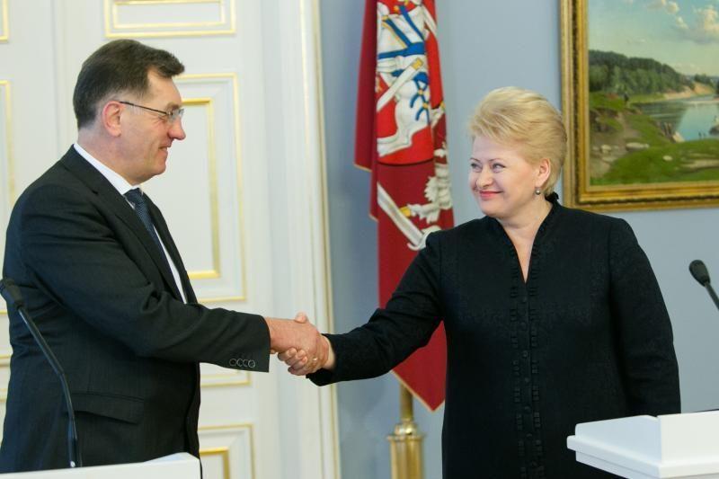 Premjero ir prezidentės pokalbio turinys dėl VAE neatskleidžiamas