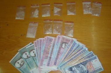 Narkotikų platintojus medžiojantys pareigūnai sulaikė 4 asmenis