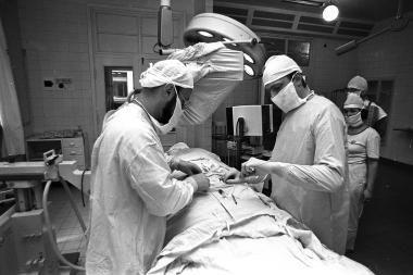 Per blokadą Kauno medikai operuodavo ir be narkozės