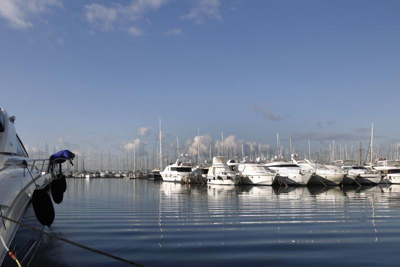 Egėjo jūroje nuskendo prabangi prancūzų jachta, žmonės išgelbėti
