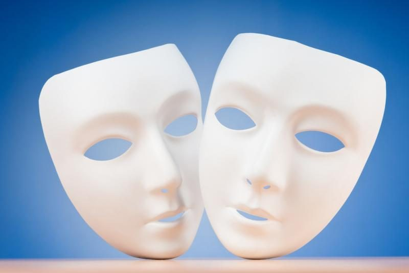 Spektaklyje nagrinėja patyčių ir smurto temas