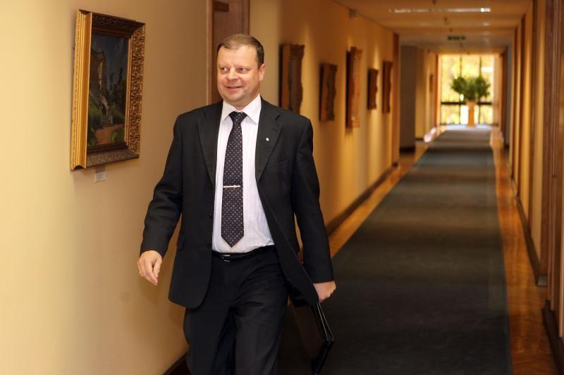 Seimo nariai klausimus S. Skverneliui išbraukė iš darbotvarkės