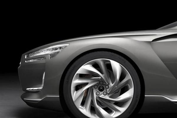 """""""Citroën"""" stoja į kovą limuzinų klasėje"""