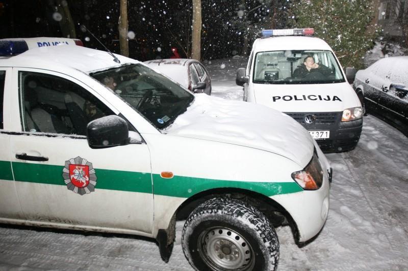 Diplomatinis automobilis sudaužė 3 mašinas ir paspruko