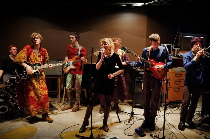 Vilniečiai muzikantai: jauni, linksmi ir groja rokenrolą