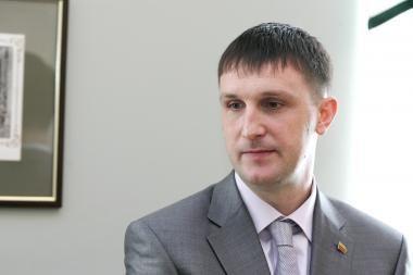Parlamentaro teisinio imuniteto klausimą sprendžiančiai komisijai liudys A.Sacharukas ir prokuroras