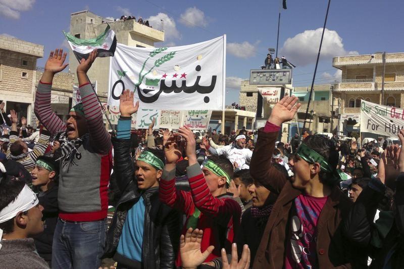 Sirijos režimo pajėgos tęsia Homso apšaudymą