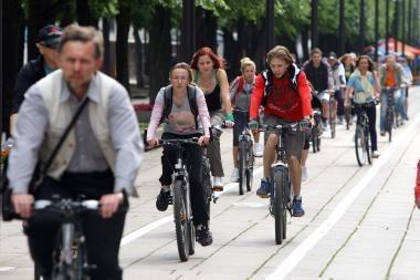 Studentai visus kauniečius kviečia į žygį dviračiais