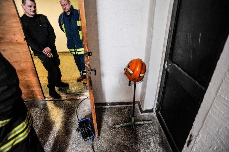 Svarstoma dėl gyvsidabrio Ukmergės teisme skelbti ekstremalią padėtį
