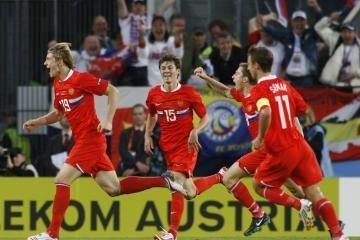 """""""Euro 2008"""": paskutinė į ketvirtfinalį prasibrovė Rusija"""