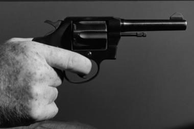 Internete matomas smurtas susijęs su smurtiniu elgesiu