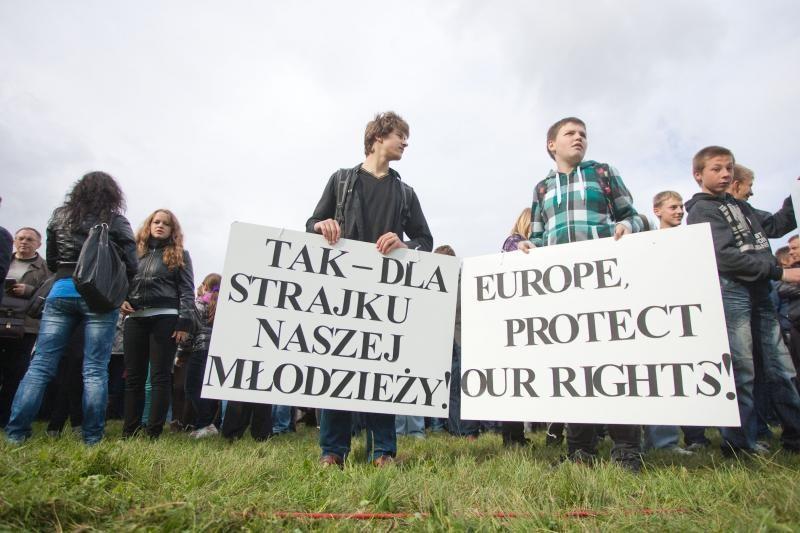 Lenkiškos mokyklos nepaiso ir nepaisys Švietimo įstatymo