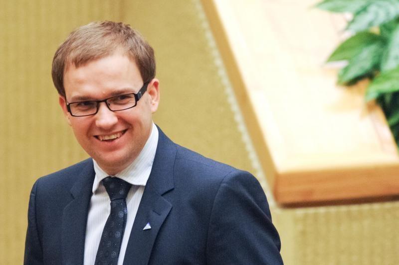 """Be kaukės: """"darbiečiai"""" rems balsų pirkimu įtariamą R. Podolskį"""