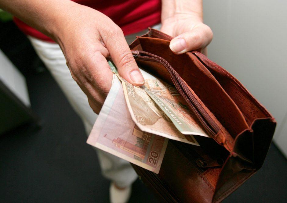 Monopolininkai nuo visuomenės slepia savo atlyginimus