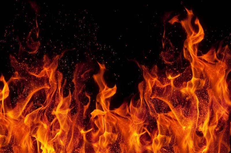 Per   gaisrą   Vilniuje    dūmais    apsinuodijo    vyras