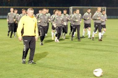 Lietuvos futbolininkai pradėjo ruoštis dvikovai su Vengrija