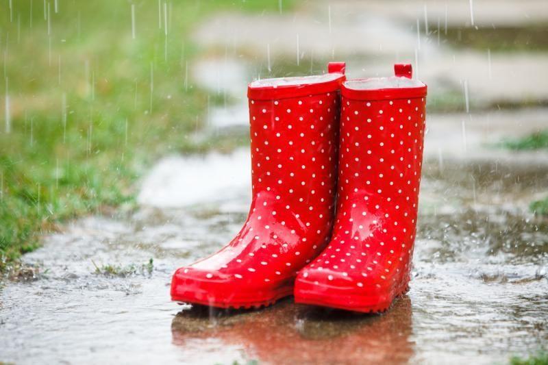 Laukia neramus savaitgalis su audromis ir lietumi