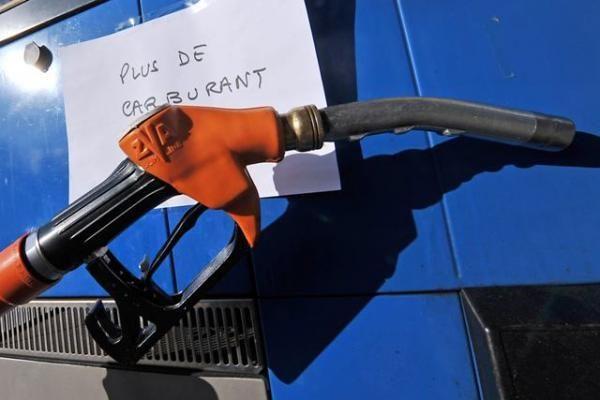 Prancūzijoje apie 1 500 degalinių išpardavė visas atsargas