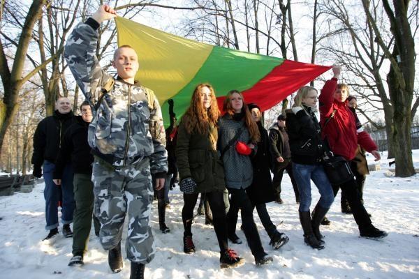 E.Zuroffas nacionalistų eitynes Vilniuje vadina neapykantos, ksenofobijos ir antisemitizmo spektakliu