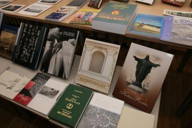 Renkame populiariausią ir gražiausią Klaipėdos knygą