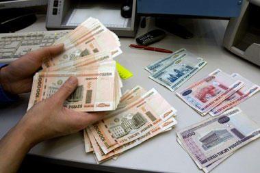 Baltarusijos rublis tarpbankinėje rinkoje prarado daugiau nei 40 proc. vertės