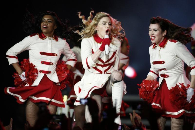 Madonna per savo koncertą Lenkijoje pagerbė Varšuvos sukilimą