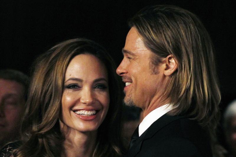 Holivudo aktoriai A. Jolie ir B. Pittas gamina rožinį vyną