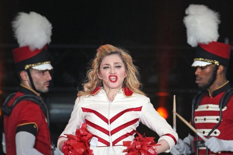 """B. Obamos gerbėja Madonna vadina jį """"juoduoju musulmonu"""""""
