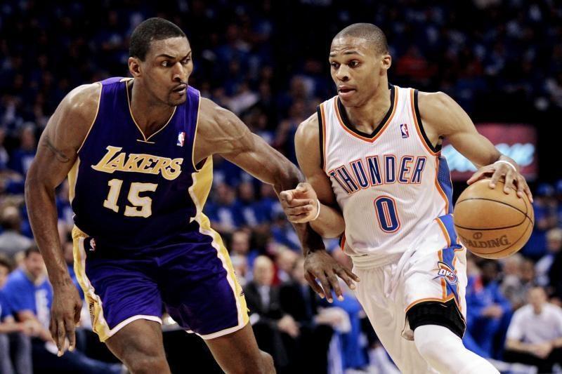 """""""Thunder"""" sutriuškino """"Lakers"""" ekipą ir išsiveržė į priekį"""