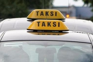 Taksistų tramdymas: norima įpareigoti automobiliuose įrengti kasos aparatus