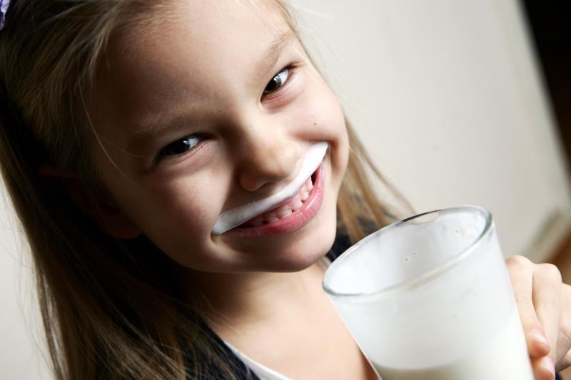 Auga pieno importas iš Latvijos ir Estijos