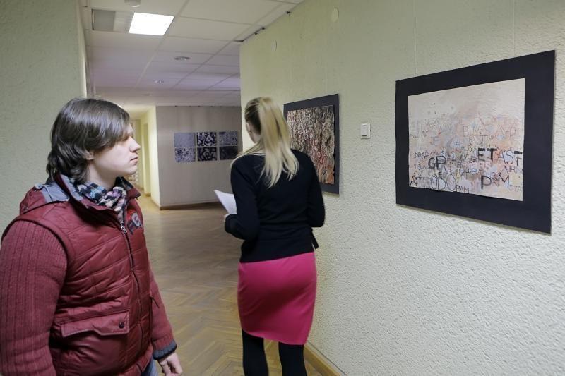 Klaipėdos savivaldybės sienas papuošė kaligrafijos darbai