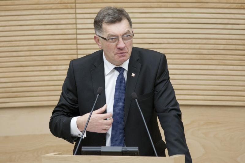 Vyriausybės darbų ataskaitoje premjeras kalbės ir apie emigraciją