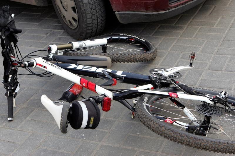 Kelmės rajone žuvo trylikametis dviratininkas