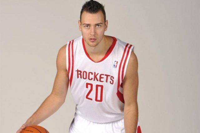 Atsiskleidęs D. Motiejūnas sulaukė 2011 NBA čempionų trenerio pagyrų