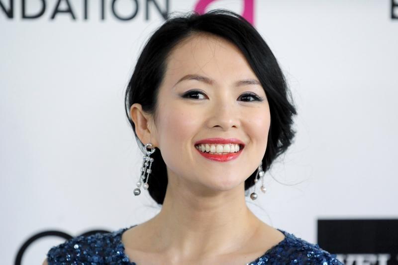 Zhang Ziyi kreipėsi į teismą dėl ją prostitute išvadinusių laikraščių