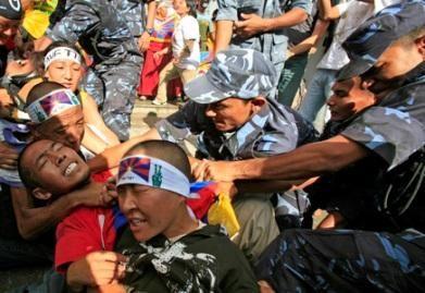 Nepale sulaikyta daugiau nei tūkstantis Tibeto rėmėjų (nuotr.)
