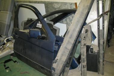 """Kaune rastas dalimis išardytas Vilniuje vogtas """"BMW X5"""""""