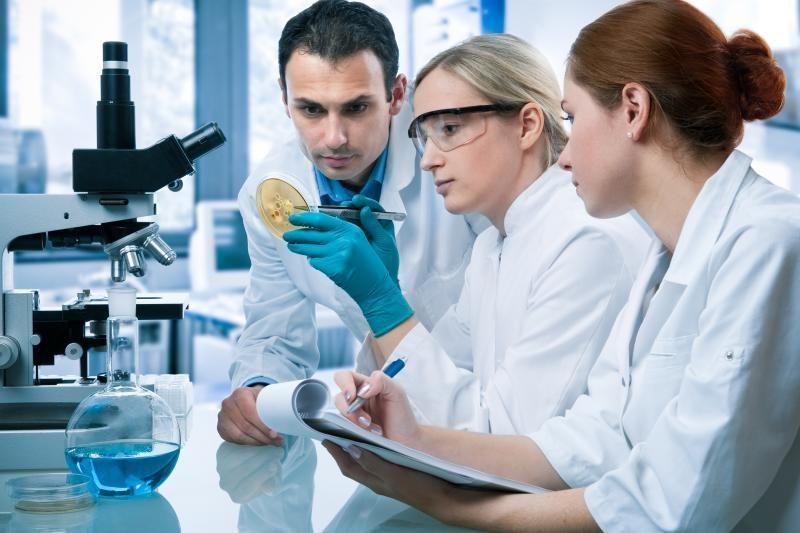 Kodėl mokslo srityje moterų yra mažiau?