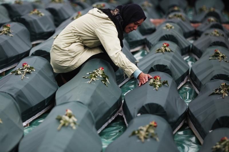 Bosnijoje ir Hercegovinoje palaidoti 66 nužudytų musulmonų palaikai