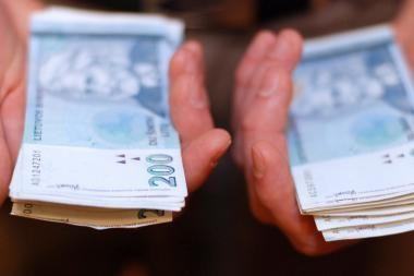 Telšiuose iš mažametės sukčius išviliojo valiutos už beveik 17 tūkst. litų
