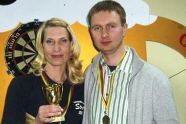 Smiginio federacijos taurę laimėjo T.Šakys ir E.Bagdonavičienė