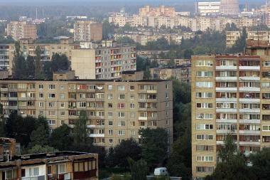 Vyriausybė už leidimą savivaldybėms renovuoti ištisus daugiabučių kvartalus