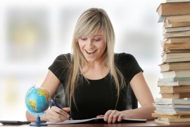 VDU kviečia moksleivius nemokamai išmokti užsienio kalbų