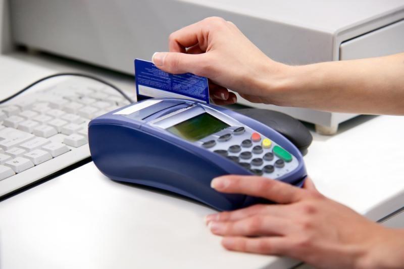 Tikrinamas mokėjimo kortelių sistemų patikimumas